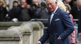 Експерт: Принц Чарлз трябва да е притеснен от мемоарите на Хари