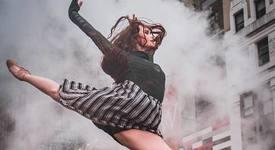 23 спиращи дъха кадъра на балерини насред града