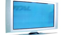 Шварценегер забранява големите плазмени телевизори
