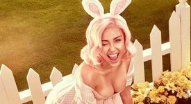 Майли Сайръс - великденско зайче!