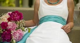 Жена организира и плати сватбата си, но още си няма съпруг...