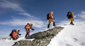 13-годишен стана най-младият алпинист, покорил връх Еверест