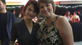 Селена Гомес зарадва онкоболни тийнейджъри на бала им