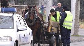 Неприятен пътен инцидент с участието на кон и каруца