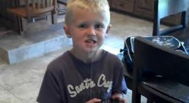 Оригинален начин за вадене на млечно зъбче (+видео)