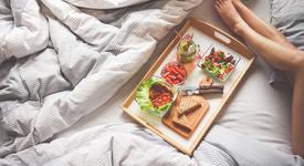 3 зодии, които ще ви донесат закуска в леглото