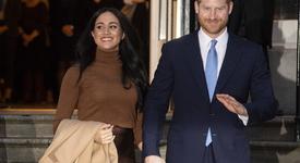 Кралското семейство няма да коментира аборта на Меган Маркъл