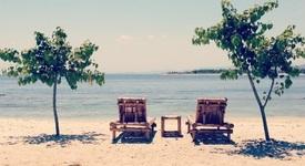 Защо да изберем бунгалото на плажа пред скъп хотел