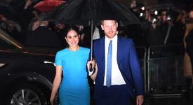 Меган Маркъл и принц Хари с първо коледно парти в САЩ