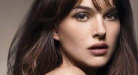 Натали Портман представя без дрехи новия аромат на Dior