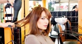 Как да не увредим косата си, когато използваме сешоар или преса