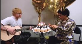Бруно Марс празнува рожден ден с Ед Шийрън