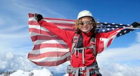 Тийнейджър покори най-високите върхове в света