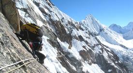 Непалка изкачи Еверест два пъти за 11 дни