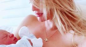Кандис Суонепол роди момченце