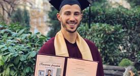 Наум Шопов се дипломира