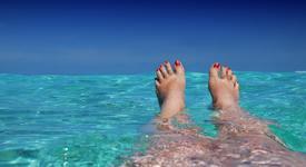 Грижа за краката през лятото