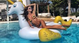 Изабел Гулар – секси супермодел на Миконос