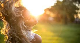 За лятото: Слънцезащитни кремове за коса