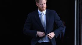 Кралското семейство се тревожи, че Хари ще пише за Камила в мемоарите