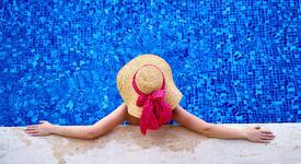 Заради COVID-19: Безопасно ли е ходенето на басейн?