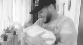 Криско стана баща