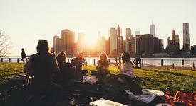 10 въпроса, които да попиташ семейството си, докато вечеряте
