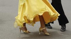 Съвети за момичета, които искат, но не могат да танцуват на високи токчета
