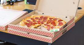 Как зодиите си поръчват пица?