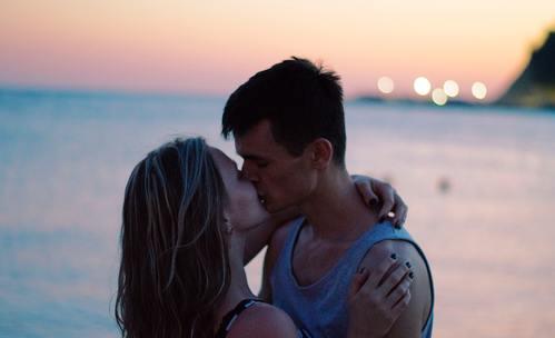 6 зодии, които се целуват страхотно!
