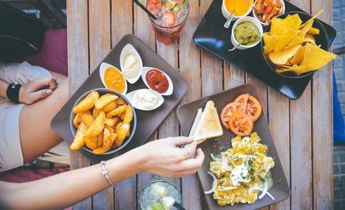 Храни и напитки, които да избягвате по време на цикъл