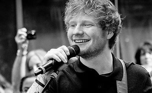 """Романтичната """"Perfect"""" на Ed Sheeran с видео, което ще стопли сърцата ви"""
