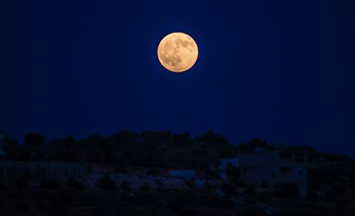 Синята Луна на Хелоуин ще промени живота на 4 зодии