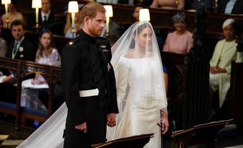 Каква сватбена рокля облече Меган Маркъл?