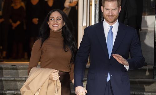 Защо Кралицата, Кейт и Меган се появиха в кафяво?