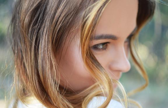 За есента: Коса в цвят меден кестен