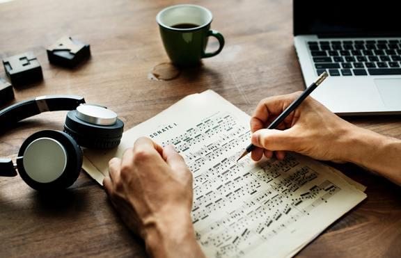 Международен лагер за писане на песни ще се проведе в Боровец
