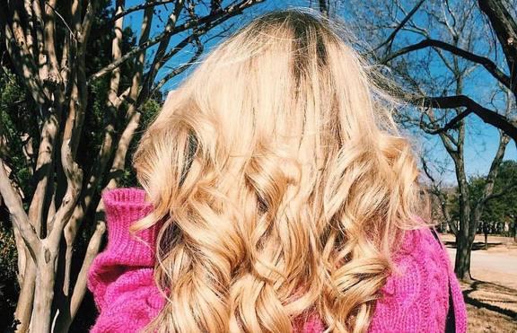 Как да се справим с изтощената от студа коса