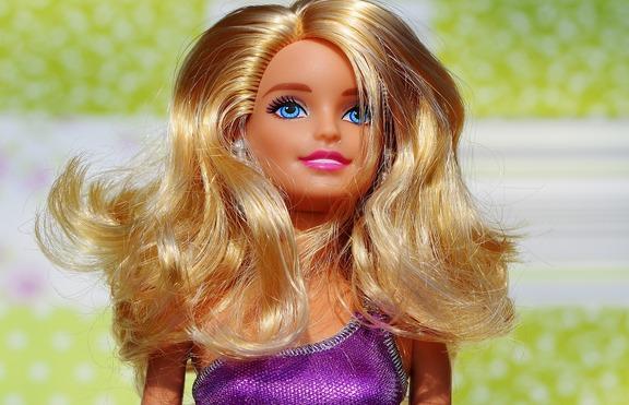 Барби получава специална модна награда