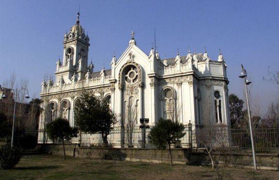На  8 септември 1898 година е осветена българската църква в Цариград
