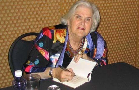 Ан Макафри почина на 85 години