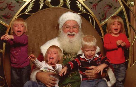 И на Острова забраняват на Дядо Коледа да взима деца в скута си