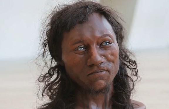 Древните британци имали тъмна кожа и сини очи