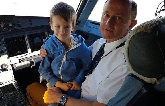 България Ер за Деня на детето: Посещение в пилотската кабина