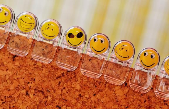 Флирт в чата: Значения на емотиконите