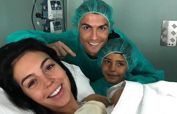 Кристиано Роналдо отново стана баща, има момиченце