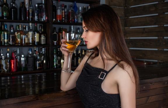 5 неща, които се случват, ако пиете алкохол по време на цикъл