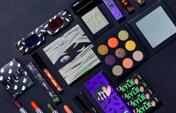 Кайли Дженър пуска козметика за Хелоуин