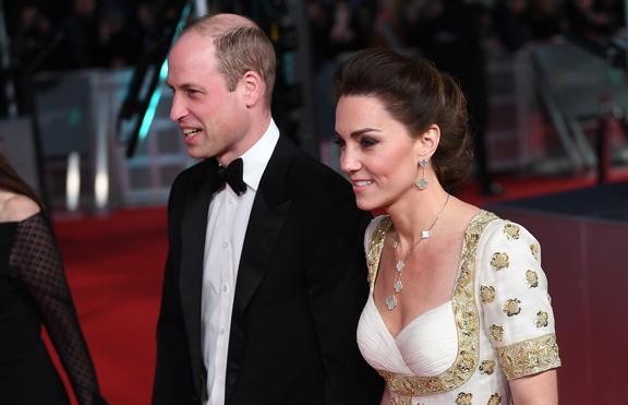 Принц Уилям веднъж скъсал с Кейт Мидълтън по телефона