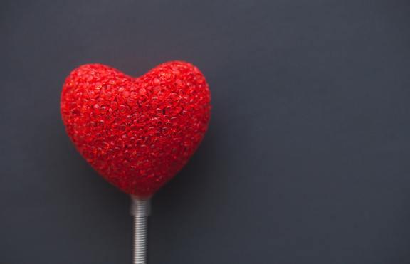 Любимата звездна двойка издава любовния ви живот
